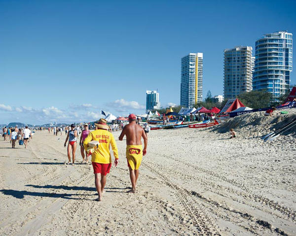 Surfers Paradise Beach Walking