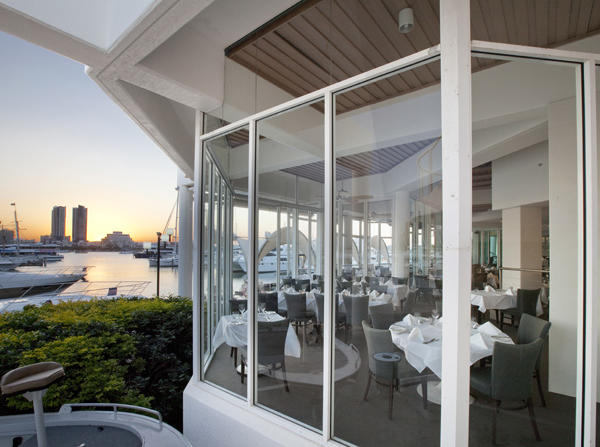 Main Beach - Waterfront Dining